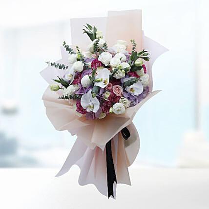 Luxurious Flower Bouquet: Carnation Flower Bouquet
