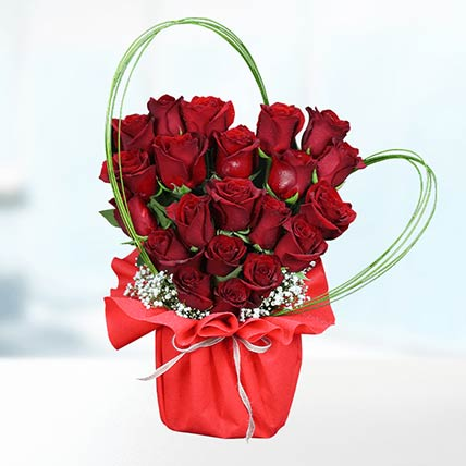 Red Stems Rose In Vase: Flower Arrangements