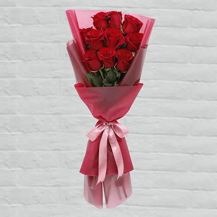 10 Red Roses Lovely Bouquet: Midnight Gifts Delivery