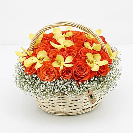 Basket Of Orange Roses: Flower Basket Arrangements