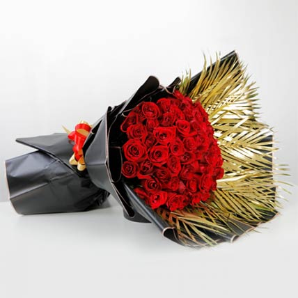 Bouquet Of Elegant Red Roses: Flower Bouquet In Qatar