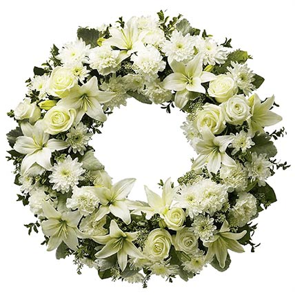 Elegant White Flowers Wreath: Carnation Flowers