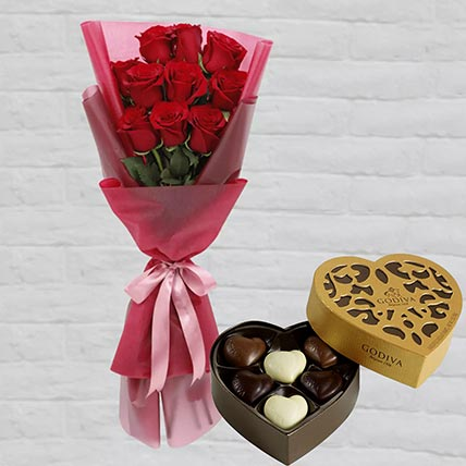 Romantic Red Roses Posy & Godiva Chocolates: Gift Hampers