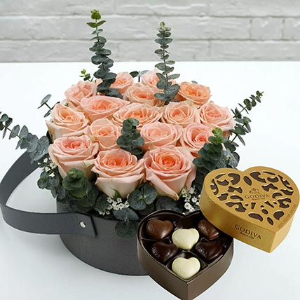 Sweet Pink Roses & Godiva Chocolates: Flowers and Chocolates Combos