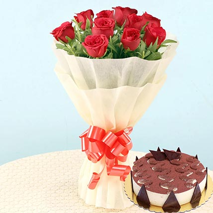 Romantic Roses & Tiramisu Cake: Flowers and Cakes Combo