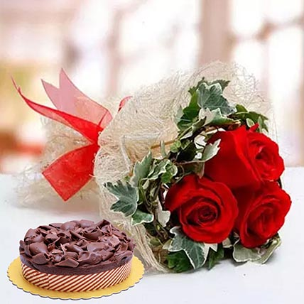 Roses & Chocolate Mousse Cake: