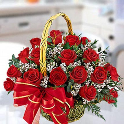 30 Red Roses Arrangement: Flower Arrangements