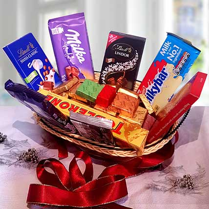 Festive Grand Gift Hamper: Buy Chocolates