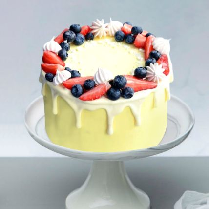 Pleasing Mix Berry Vanilla Cake: Send Cakes to Qatar