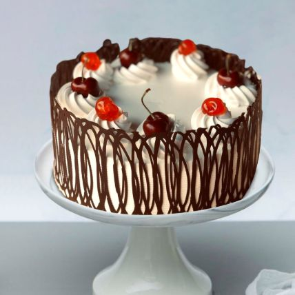 Swirly Style Black Forest Cake: Wedding Day Cake