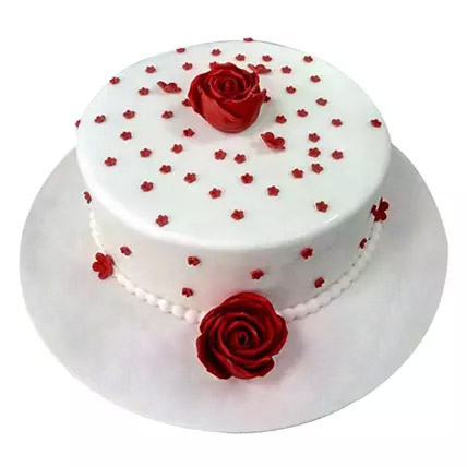 Lovely Cake With Flowers: Designer cakes