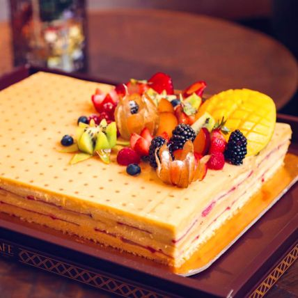 Vanilla Fruity Cake: Send Cakes to Qatar