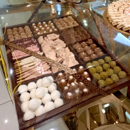 Chocolate Nuts Trays: Kaafe Chocolatier Gifts