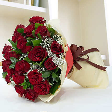 Lovely Roses Bouquet: Red Rose Flower