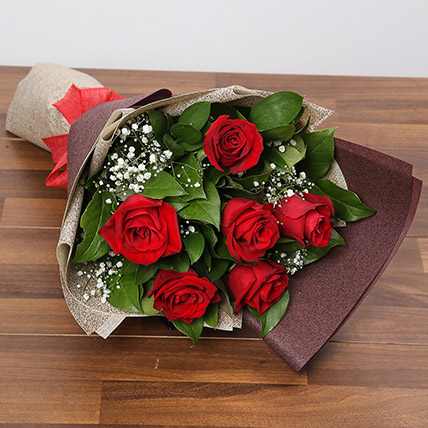 Romantic Roses Bouquet: Anniversary Flowers