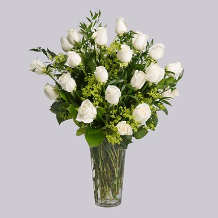 20 Stems Graceful White Roses In Vase