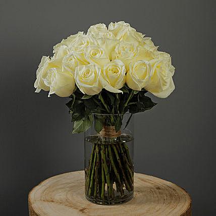 30 Stems White Roses Vase