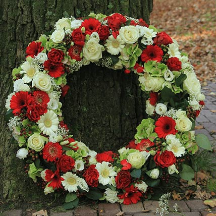 Red & White Roses Wreath