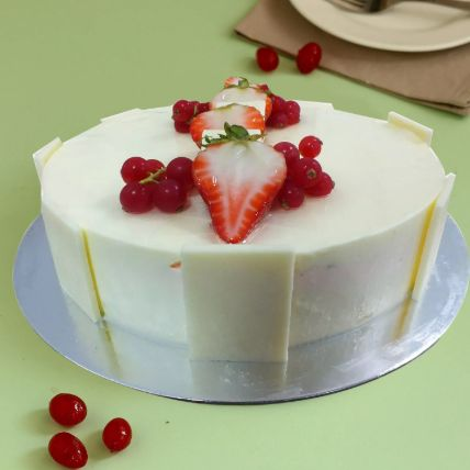 Vanilla Strawberry Cake
