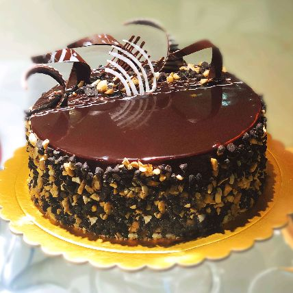 Irresistible Chocolate Nuts Cake Half Kg