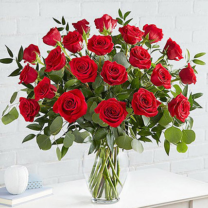 Beautiful 25 Red Roses In Glass Vase
