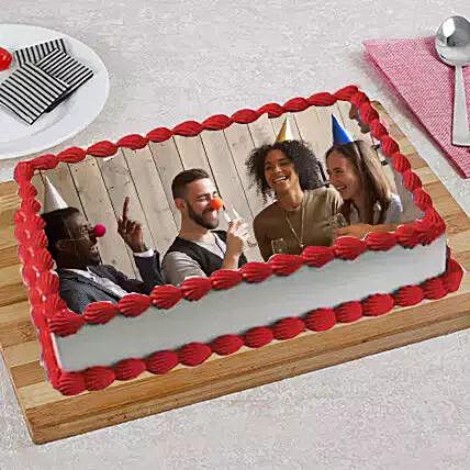 Eggless Birthday Strawberry Cake